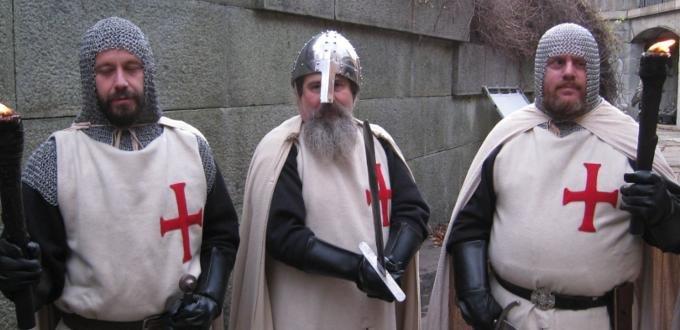 Costume cavalieri templari