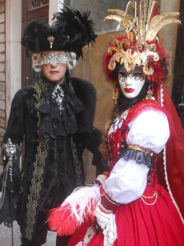 Il Carnevale di Venezia - Noleggio costumi e abiti d epoca a037a68525e2