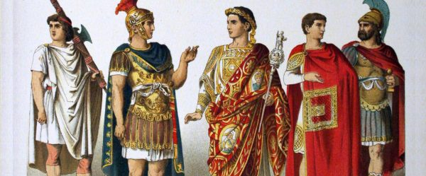 Gli abiti antichi sono una macchina del tempo in grado di far rivivere le grandi civiltà del passato: Egitto, Grecia classica e Roma imperiale.